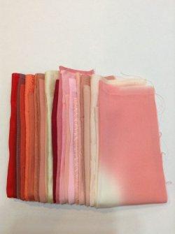 画像1: 古布はぎれ袋 グラデーション赤