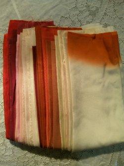 画像2: 古布はぎれ袋 グラデーション赤